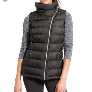 Athleta Black Downabout Vest